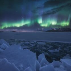 frozen-world-carlos-f-turienzo
