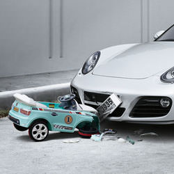 car_toy_accident__113147