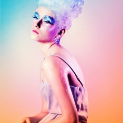 woman_fashion_coloured_ice_headgear__120367