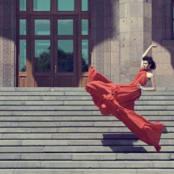 woman_red_dress_steps_fashion__137561