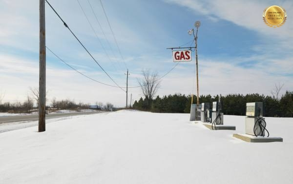 Photograph Jens Lucking Gas Station on One Eyeland