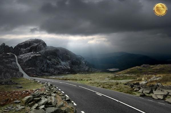 Photograph J P Mountford Mountain Road on One Eyeland