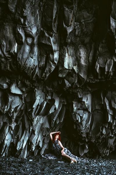 Fotografieren Sie Ruslan Bolgov The Black Cave auf One Eyeland