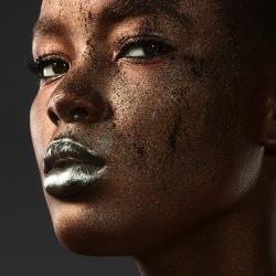 Flaviana Bronze-Jonathan Knowles-Finalist-ADVERTISING-Beauty -56