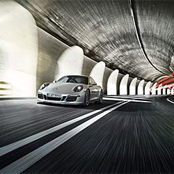 Porsche 911 GTS-Stephan Romer-Bronze-WERBUNG-Automobil -1772