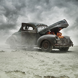 Car on fire-Ramiro Cueva-bronze-FINE ART-Other -3176