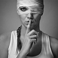 Pssssst-Tomas Paule-finalist-FINE ART-Portrait -3655