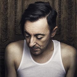 Alan Cumming-Chris Crisman-finalist-PEOPLE-Portrait -3770