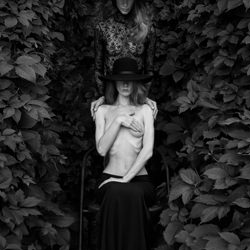 ArtWork-Mikhail Potapov-bronze-ADVERTISING-Fashion -4645