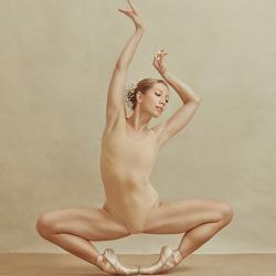 Poppyseed Dancer-Irina Jomir-bronze-FINE ART-Portrait -4697