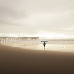Surfer bei Crystal Pier-Derek McCoy-Finalist-PEOPLE-Other -5586