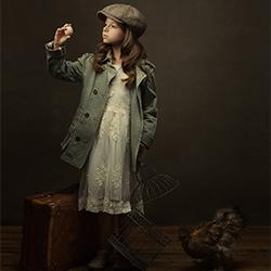 Pets-Gabriela Homolova-gold-FINE ART-Portrait -5655