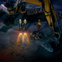 Mac Your Night - Construction-Danny Eastwood-gold-ADVERTISING-Conceptual -5666