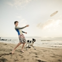 TATAkikiGAGAzette....tirelette - Page 6 One_eyeland_a_boy_and_his_dogs_on_the_beach_by_kevin_steele_37981