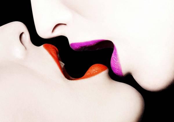 Photograph Elise Dumontet Kiss Me on One Eyeland