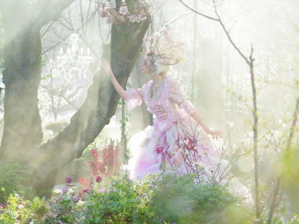 Photograph Haseo Hasegawa The Secret Garden on One Eyeland