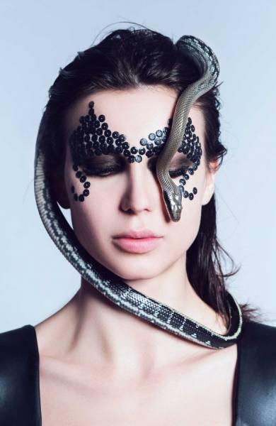 Photograph Dasha Art Snake on One Eyeland