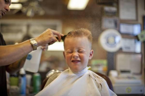 Photograph Jim Erickson Haircut on One Eyeland