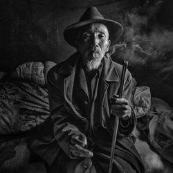 smoking-Goh Wee Seng-finalist-black_and_white-1336