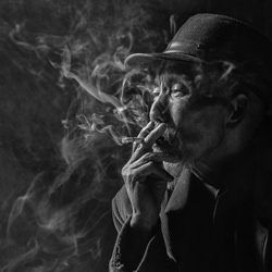 smoker-Goh Wee Seng-finalist-black_and_white-1338
