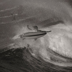 Mit The Wave.-Steve Turner-Finalist-black_and_white-2677