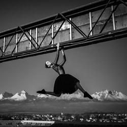 Dancing in the light-Martin Krystynek-finalist-black_and_white-2587