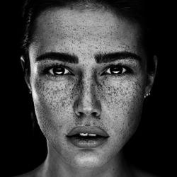 Romi-Martin Krystynek-finalist-black_and_white-2594