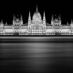 Budapest-Jano Stovka-silver-black_and_white-2782