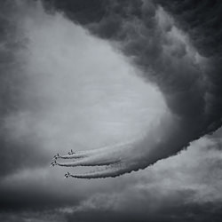 Acrobatic Flight #3-Cain Shimizu-finalist-black_and_white-4473