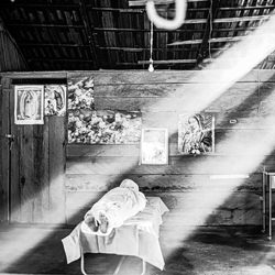 Light and shadow in the world of Covid-Eduardo Lopez Moreno-finalist-black_and_white-6517