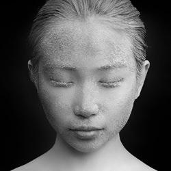 Statue-Eldon Lau-silver-black_and_white-6584