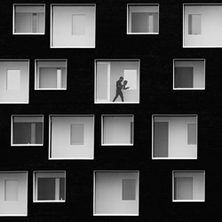 Thinking in boxes-Gino Ricardo-bronze-black_and_white-6391