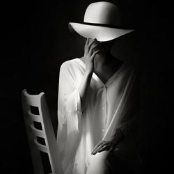 a lady in the shade-Maeshin Shinji Maeda-finalist-black_and_white-6520