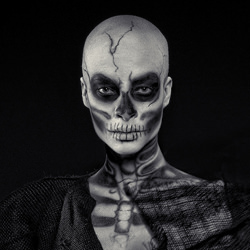 Voodoo Master-Marco Benedetti-silver-black_and_white-6613