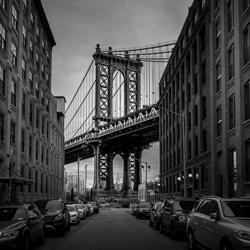 Manhattan Bridge-Marc Barthelemy-bronze-black_and_white-6393
