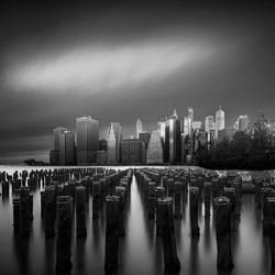 New York.-Ana Amtmann-bronze-black_and_white-6426