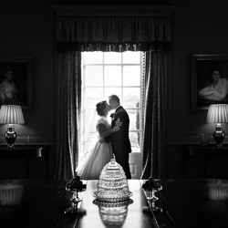 Kiss Me-Martyn Norsworthy Photographer-bronze-black_and_white-6358