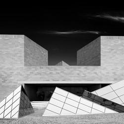 East Building-David Fonda-finalist-black_and_white-6557