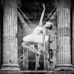 Charlotte - Pure Grace-Claude Bossel-silver-black_and_white-6611