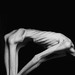 human-Piotr Marcinski-silver-black_and_white-6620