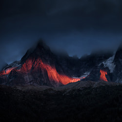 Red light line-Peter Svoboda-bronze-landscape-3355
