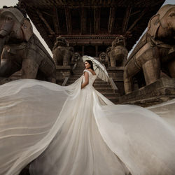 Bride at Temple-Vicens Forns-silver-wedding-2080