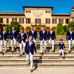 group on the stairway-Luigi Rota-finalist-wedding-1852