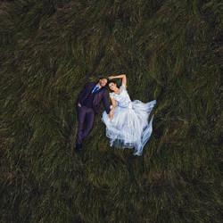 Looking Up-Andrew Joseph-bronze-wedding-3088