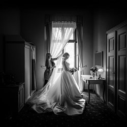 Still a crown and we\'re on it-Monika Struharnanska-finalist-wedding-3119