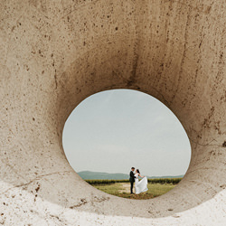 Bride & Groom-Helena Jankovicova-bronze-wedding-3031