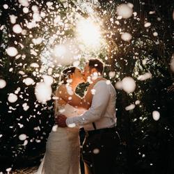 The Kiss-Kenny Chick-bronze-wedding-4744