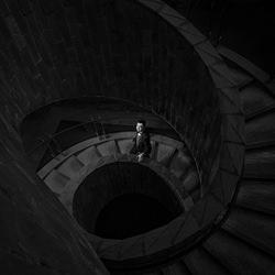 Spiral staircase-Kin Lok Chan-bronze-wedding-6127