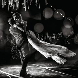 Dancing or flying?-Gorka Asteinza-bronze-wedding-6136