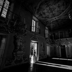 la sposa nella finestra di luce-Luigi Rota-bronze-wedding-6086